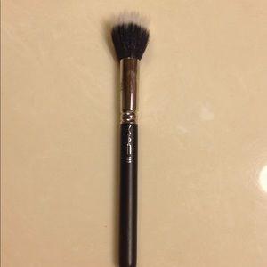 Mac 183 brush